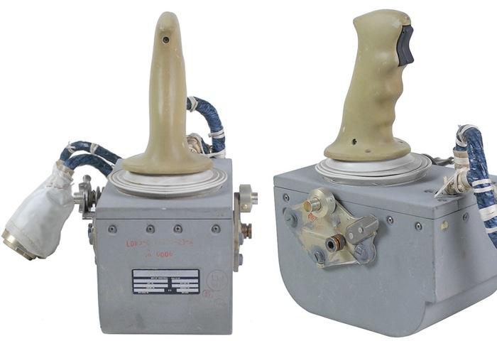 Apollo-15-Joystick-11