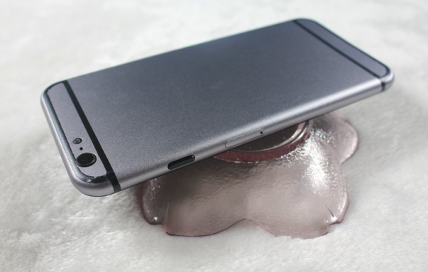 Rumored iPhone 6 rear view (Dummy Model)