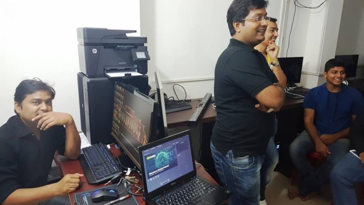 Hardcore Gaming With Amit Saluja [High-End PC Enthusiast]: Owner @Gameomaniacs 3