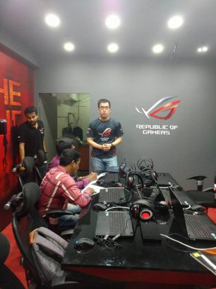 Let's Go Gaming To The Exclusive ASUS ROG Store In Bhubaneswar 1