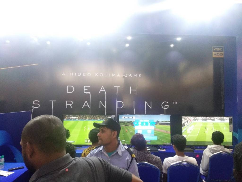 Sonly Playstation Booth Amd Gameon
